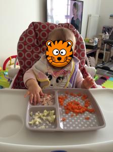 bébé-mange seul2