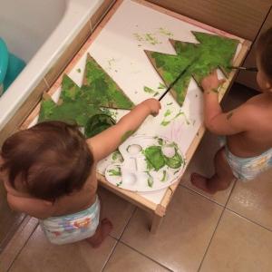 peinture-bebe-carton-sapin