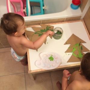 peinture-carton-bebe